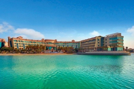 Al Raha Beach Hotel, Abu Dhabi v červenci