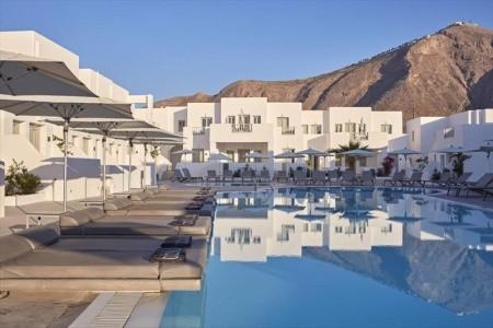 Aqua Blue Hotel,