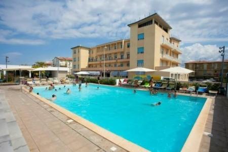 Club Stella Marina, Itálie