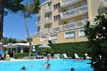 Hotel Bahama S Bazénem, Alexandria Emilia Romagna