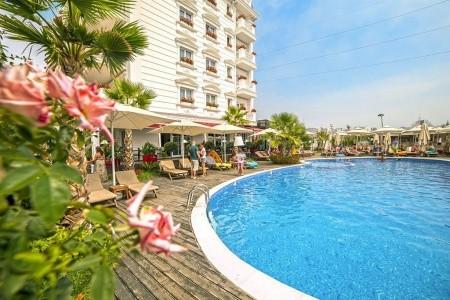 Hotel Flower & Spa, Dürres