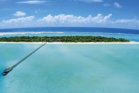 Hotel Holiday Island Resort & Spa, Maledivy