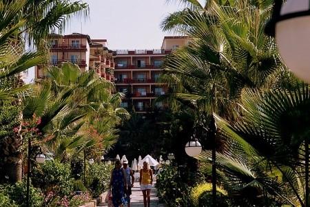 Hotel Holiday Park,