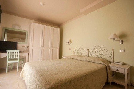 Hotel Laconia Village**** – Cannigione, Sardinie / Sardegna