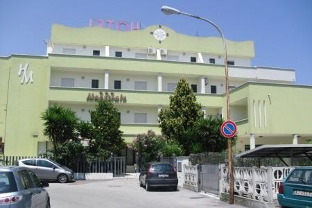 Hotel Maestrale, Marche