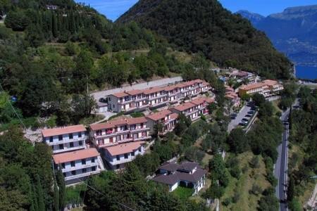 Hotel Rotonda V Gardola Di T. – Lago Di Garda, Lombardie