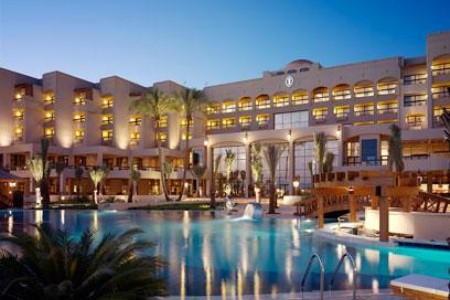 Intercontinental Aqaba Resort, Akaba v březnu