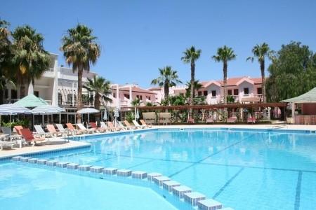 La Hotel, Kypr