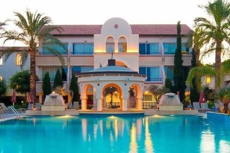 Napa Plaza Hotel, Agia Napa v březnu