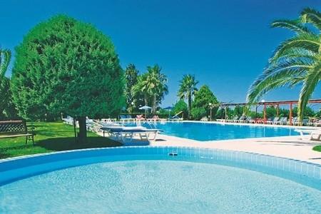 Nina Hotel,