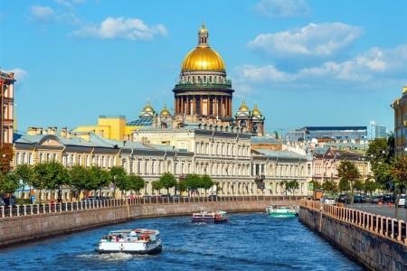 PETROHRAD – KLENOT NA NĚVĚ, BÍLÉ NOCI, Rusko