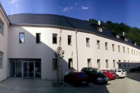 Ubytovací Centrum Cett, Invia