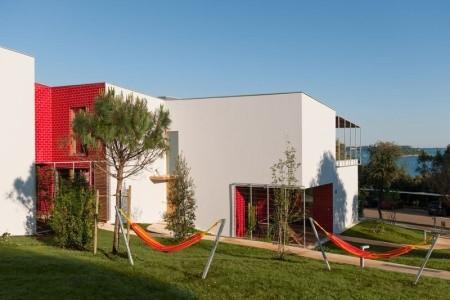 Amarin Resort Apartments,