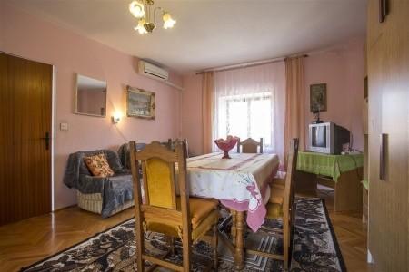 Apartment Marica Pula,