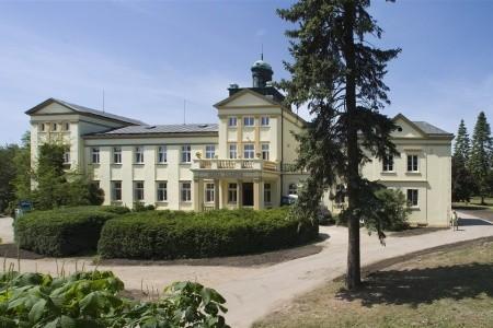 Hotel Zámeček, Střední Čechy