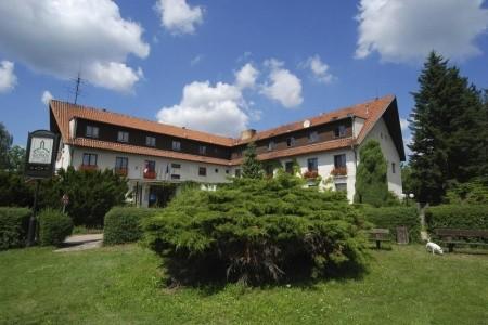 Zvíkovské Podhradí – Hotel Zvíkov,