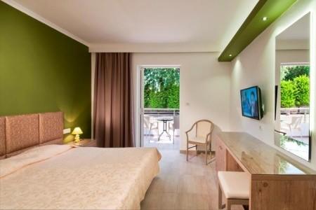 Alexandra Beach Hotel & Apartments,
