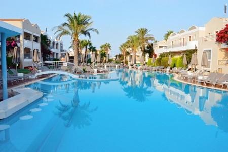 Pelagos Suites Hotel & Spa,