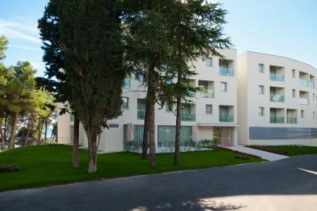 Resort Crvena Luka (Hotel), Biograd Na Moru